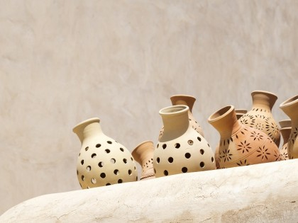 Pottery on the market of Nizwa